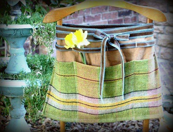 Linen Garden Apron with Pockets